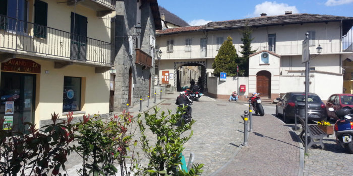 Prima Ondata Di Motociclisti A S.Germano Chisone (To)