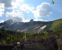 Una panoramica del monte Toc e la sua frana